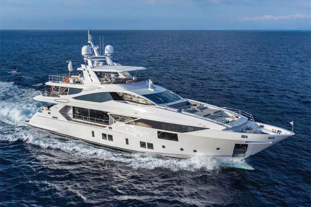 Benetti 110 Yacht