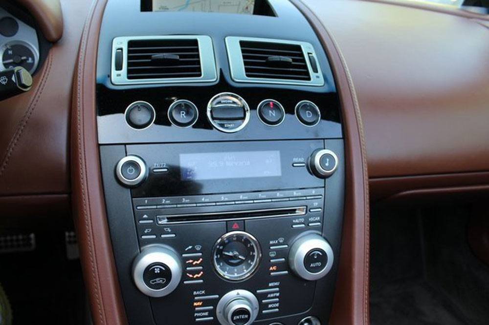 Aston Martin Vantage Roadster | Luxury Cars Rental ...