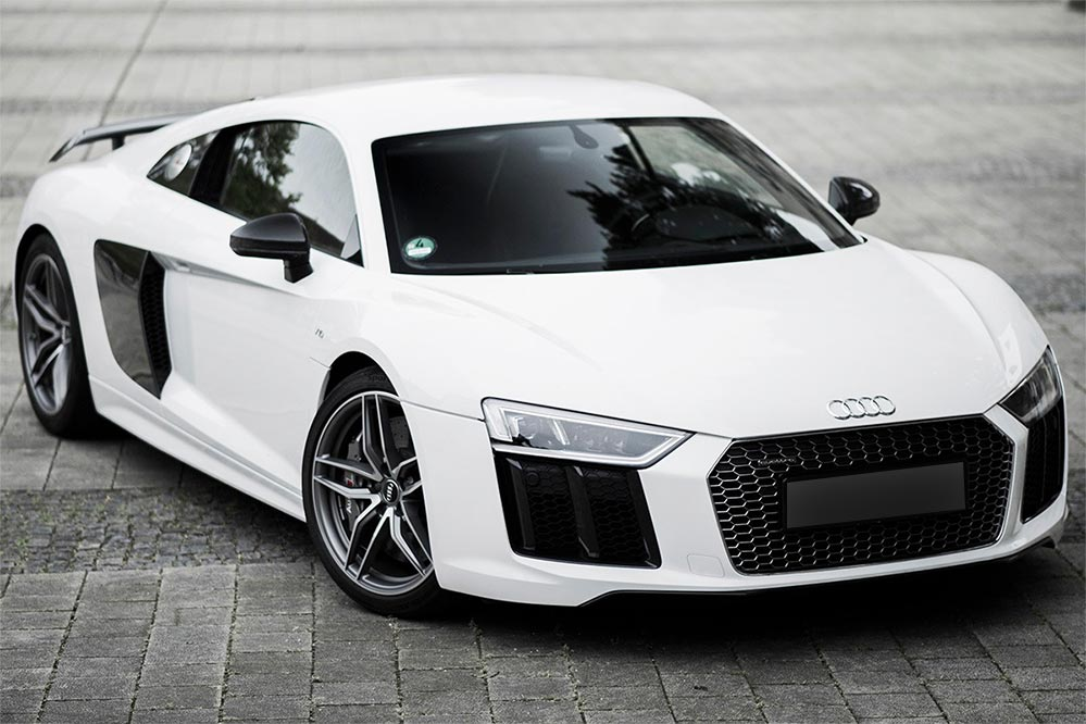 Audi R8 <br> 5.2L Twin Turbo V8